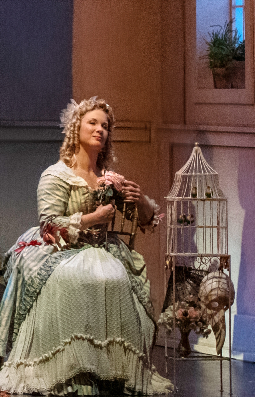 Lara Ciekiewicz in Gianni Schicchi. David Cooper Photography