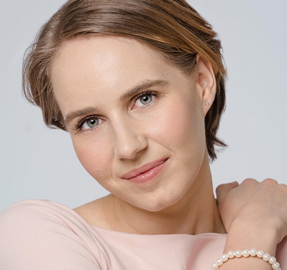 Abby Schuliger Headshot