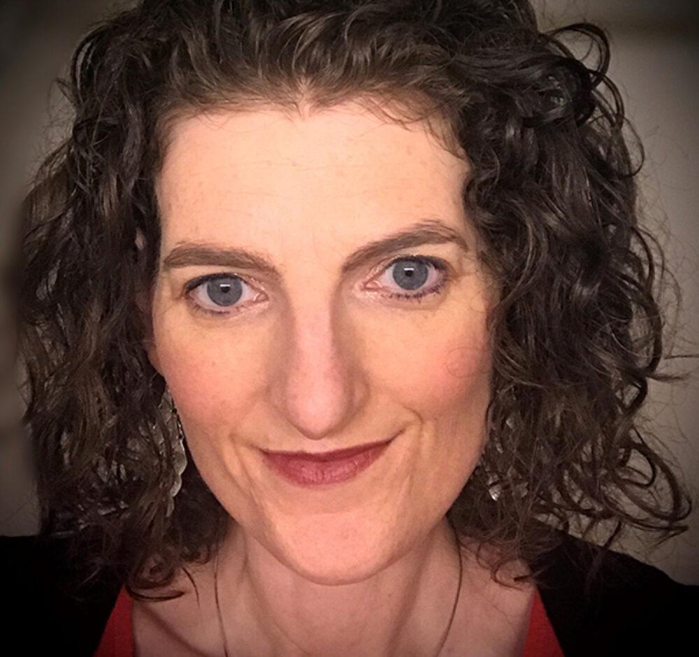 Allison Ward Headshot